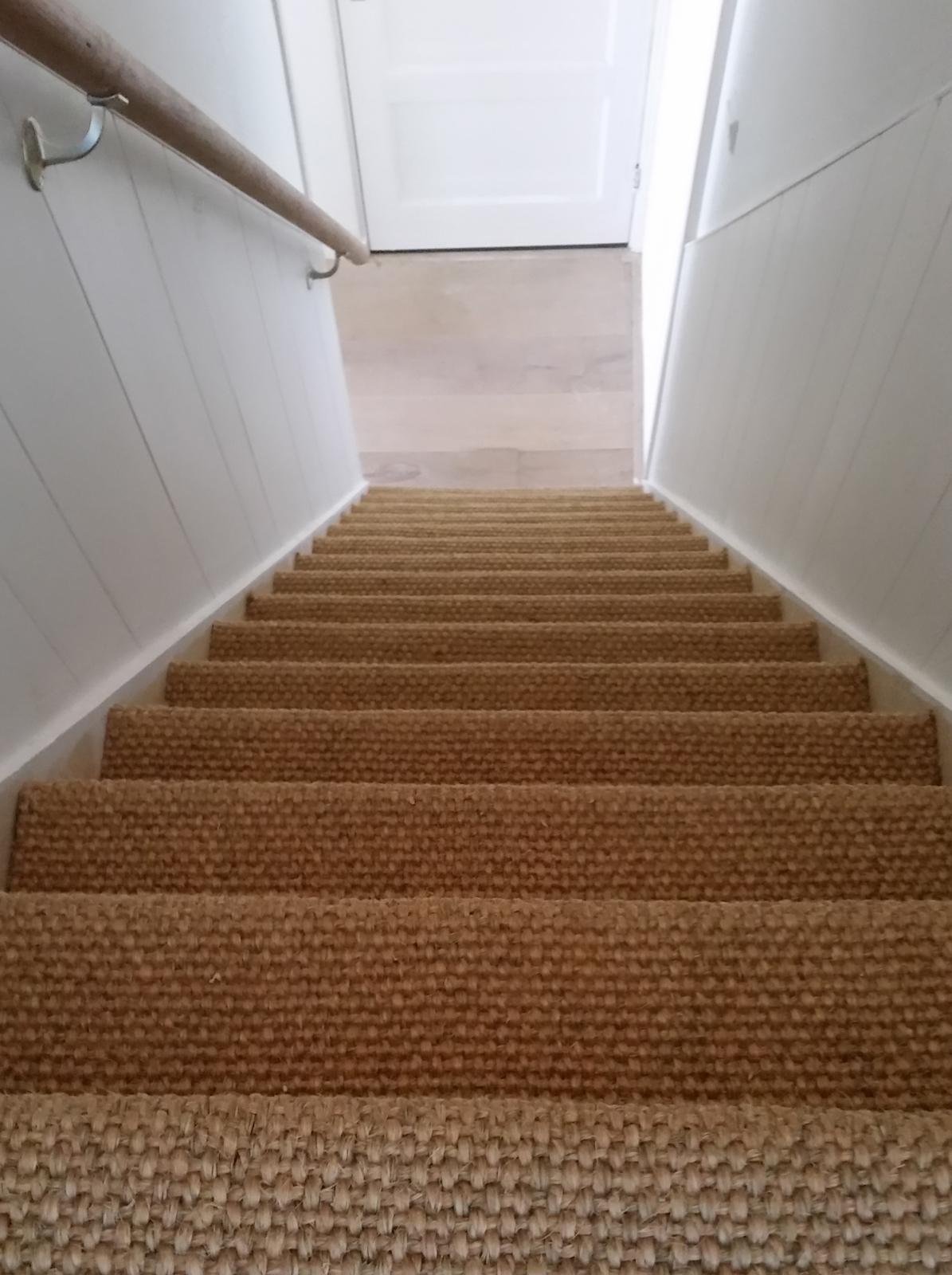Portfolio traprenovatie vloerrenovatie voordelig en professioneel - Tapijt badkamer hout ...